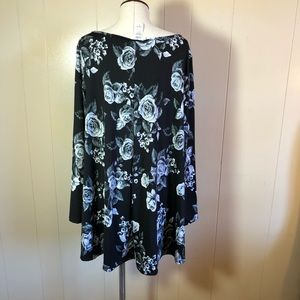 evelie Tops - Evelie 2x Black floral cross cross top blouse